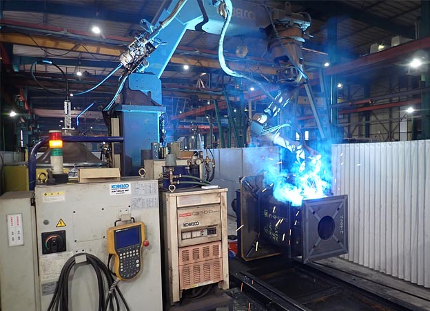 コア溶接ロボット写真